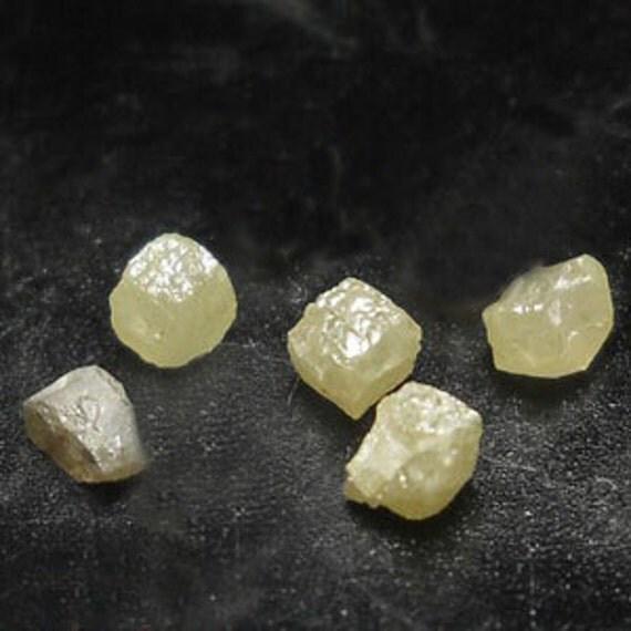 5  FANCY DIAMONDS  parcel ( 0.6 tcw / Raw Rough Diamond)