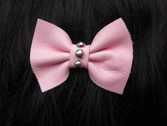 III Little Baby Pink Studded Leather Hair Bow III
