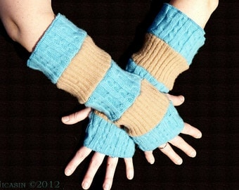 Wool Arm Warmers - Tan Ribs and Vertical Turquoise Cables - Reversible