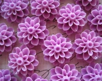 Resin Flower Cabochons / 12 pcs Lilac Resin Dahlia Mum 15mm