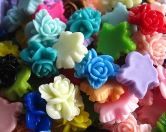 Resin Cabochons / Resin Flower Cabochons 24 pc Mixed Lot 16mm x 16mm.... Perfect for Bobby Pins