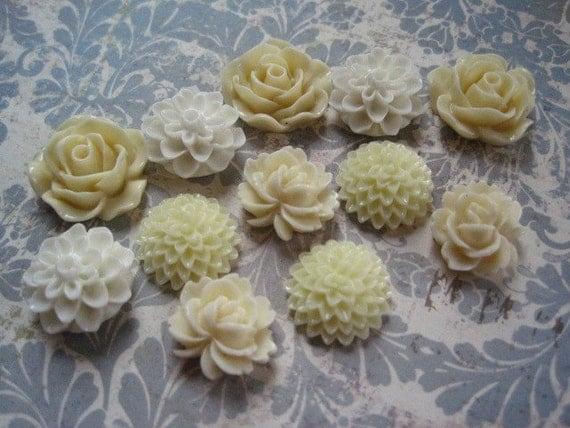Resin Cabochon Flowers / 12 pcs Resin Dahlia Mum Rose / Cream Flowers / 19mm, 15mm