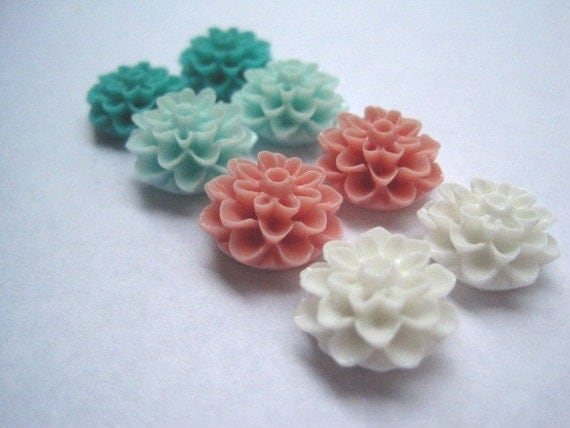 Resin Flowers / 8 pcs Resin Dahlia Mum Cabochon Flowers / 4 Colors