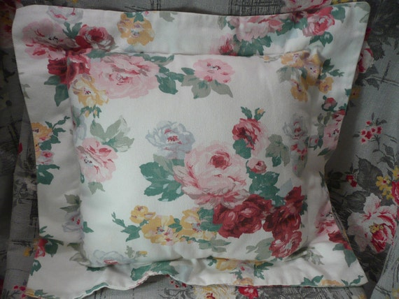 Vintage Cotton Pillow with Rose and Pink Cabbage Roses, Shabby Chic Style - Vintage Travel Trailer Decor