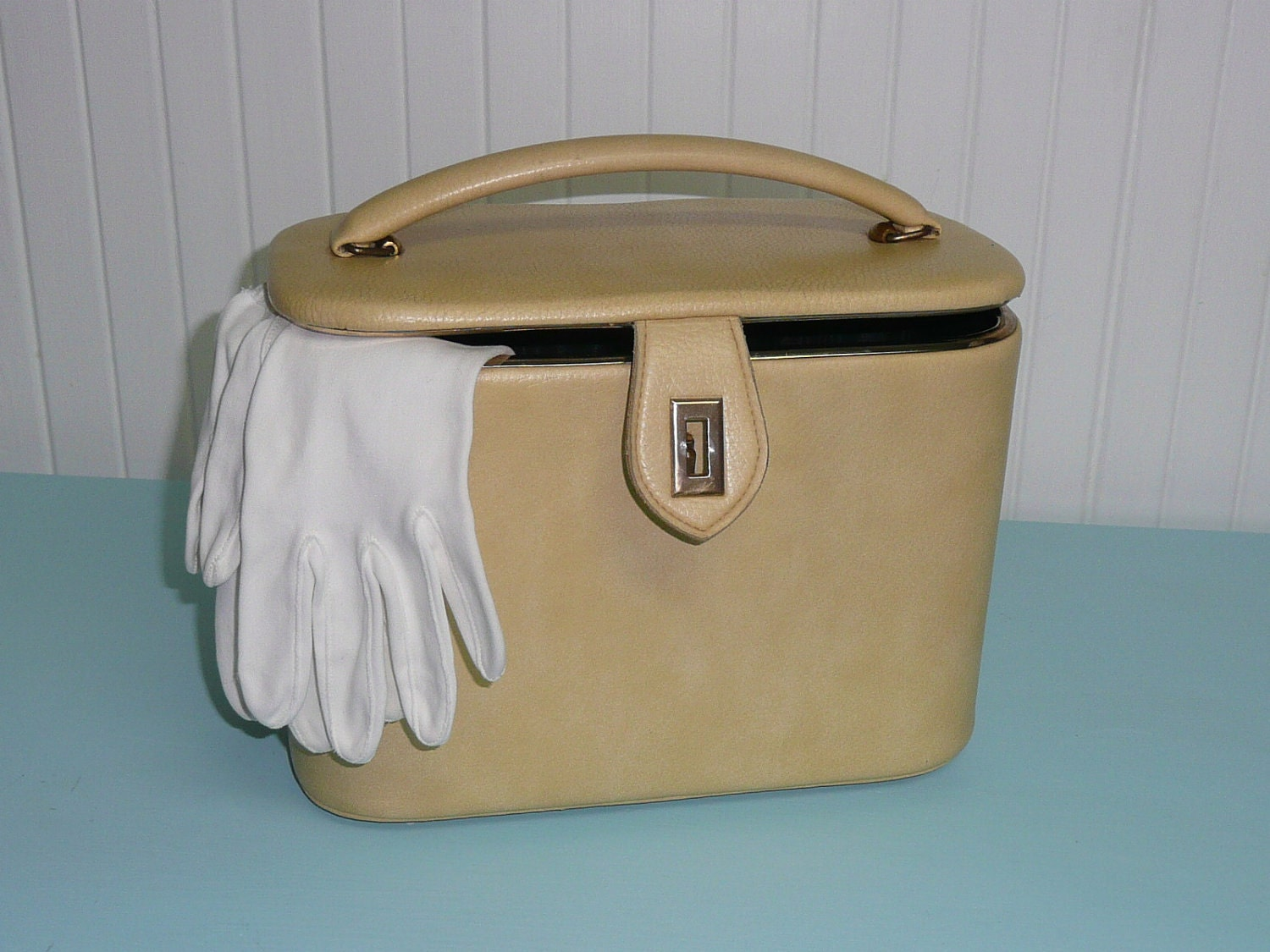 Vintage Leather Cosmetic Train Case Small Suitcase Vintage