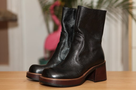 Diba // 90s Black Heeled Leather Boots with a Chunky Heel and Platform