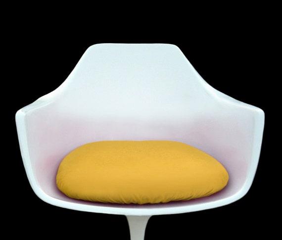 jaune housse de coussin pour fauteuil tulipe. Black Bedroom Furniture Sets. Home Design Ideas