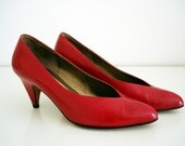 Vintage 80s Amalfi red leather shoes/ bright red high heel pumps / Size 6