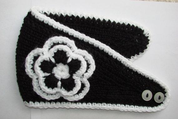 Woman girl knit headband with crocheted flower handmaded black white ski