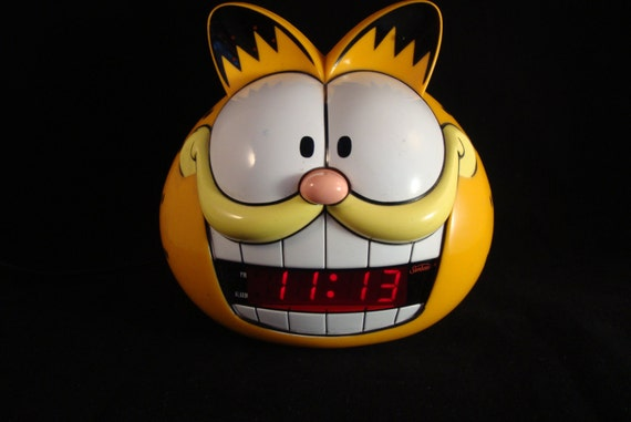 Garfield Digital Alarm Clock, Working lol cat with a snooze, I have a link to hear the alarm