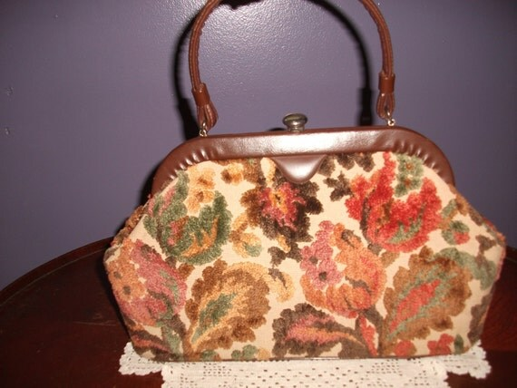 1950's woman's tapestry purse, Excel zipper pocket, no name or tag, great colors and style for everyday use