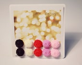 A Set of 5 Pairs of Small Flower Earrings - Black, White, Red, Purple, Pink