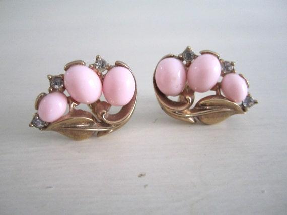 Vintage 1960s Trifari Gold, Pink, and Rhinestone Earrings
