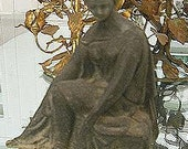 Classic Women Pot Metal Statue