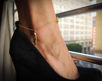 Gold Anklet with gold feather accent