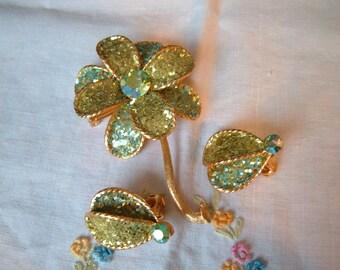Vintage Peridot Aqua Sparkle Green AB Rhinestone Flower Brooch Pin Clip Earrings Set
