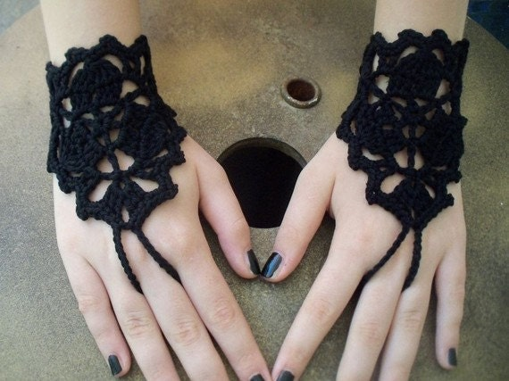 Black got fingerless fingerless gloves, hand jewelry, gothic, wedding, lolita, yoga, bracelet , dance, steampunk, halloween