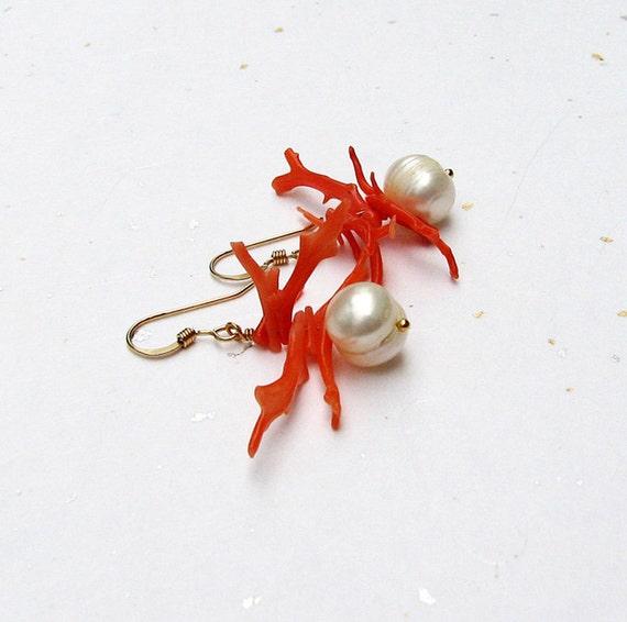 Branch coral earrings White freshwater pearl earrings Gold pierced dangle bead earrings Coral jewelry Pearl jewelry Feminine beaded jewelry