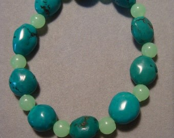 Chinese Turquoise / Glow-in-the-Dark Bead Bracelet