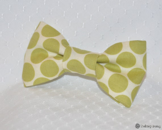 toddler easy clip on bow tie - cream with olive green large polka dots