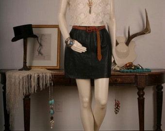 Black skirt leather look alike pleather mini short women size 4 M medium