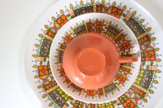 Vintage 1960's ONEIDA Coral DISH Set (4 Place Settings)