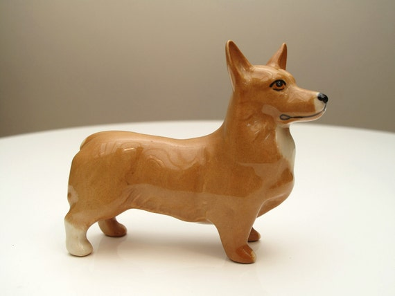 Beswick welsh corgi dog ornament. Model no 1736 in light brown gloss. Made in England