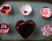 Glass Magnets - Valentines - in decorated tin tray