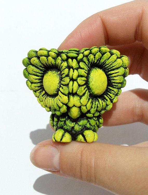 Resin Figure Daisy Owl, FAKE Glow / Green, Yellow  -  Sculpture, Art Toy, Miniature, Designer Toy, Ornament