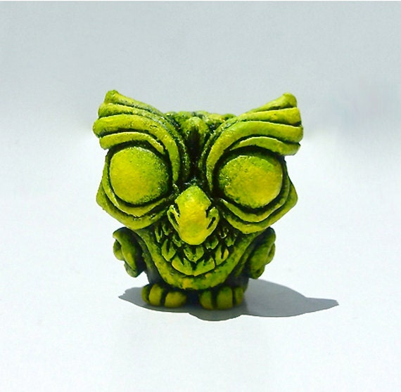 Cute Sculpture Wise Owl - Fake Glow / Green, Yellow - Mini Figure, Collectible, Resin Figure, Designer Toy