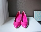 Gorgeous 80s Vintage Magenta Pink Heels Made in Spain for Harris, Size 8 M
