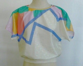 Vintage Abstract Designed Blouse