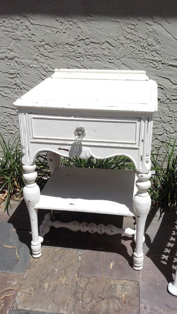 charming antique shabby chic nightstand. Black Bedroom Furniture Sets. Home Design Ideas