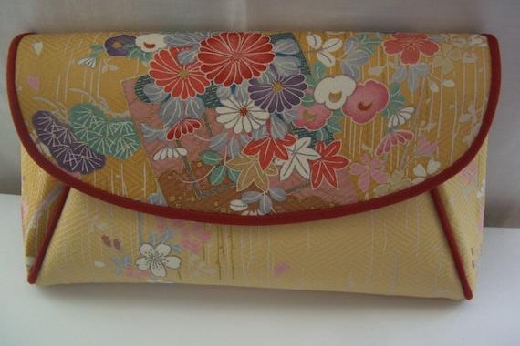 1987 Vintage Japanese floral silk clutch purse