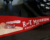 Vintage R and T Museum Pennant Kinzers PA Railroad