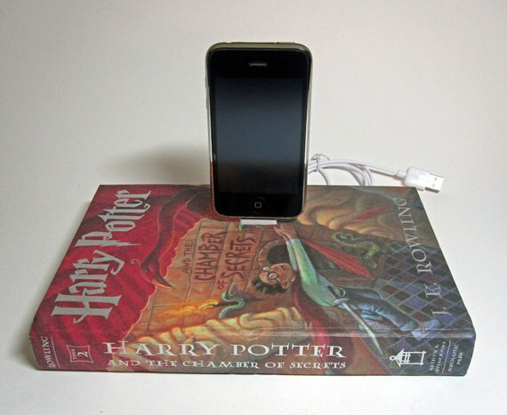 Harry Potter and The Chamber of Secrets Charging Station for iPhone and iPod