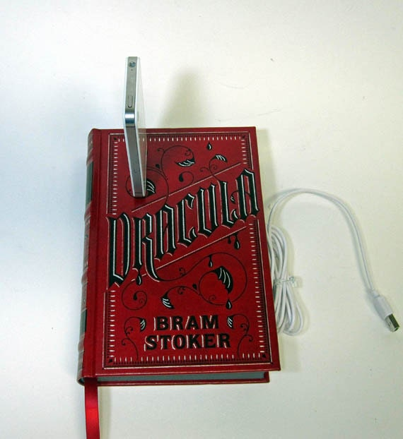 Dracula Book Dock for iPhone and iPod