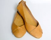 SALE. Sz.10.5. NATIVE. Leather ballet flats / womens shoes / flat shoes / rustic / leather shoes.