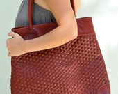PASSION. Leather bag / leather tote. Available in different leather colors.