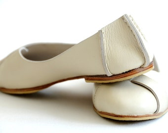 NATIVE. ballet flats / womens leather shoes / flat shoes / ivory wedding shoes. Sizes: US 4-13. Available in different leather colors.