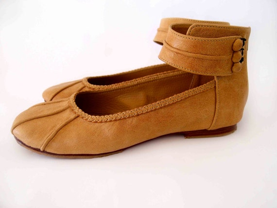 MUSE. Ballet flats / leather shoes / flats / bridal flats / gifts for best friend. Sizes: US 4-13. Available in different leather colors.