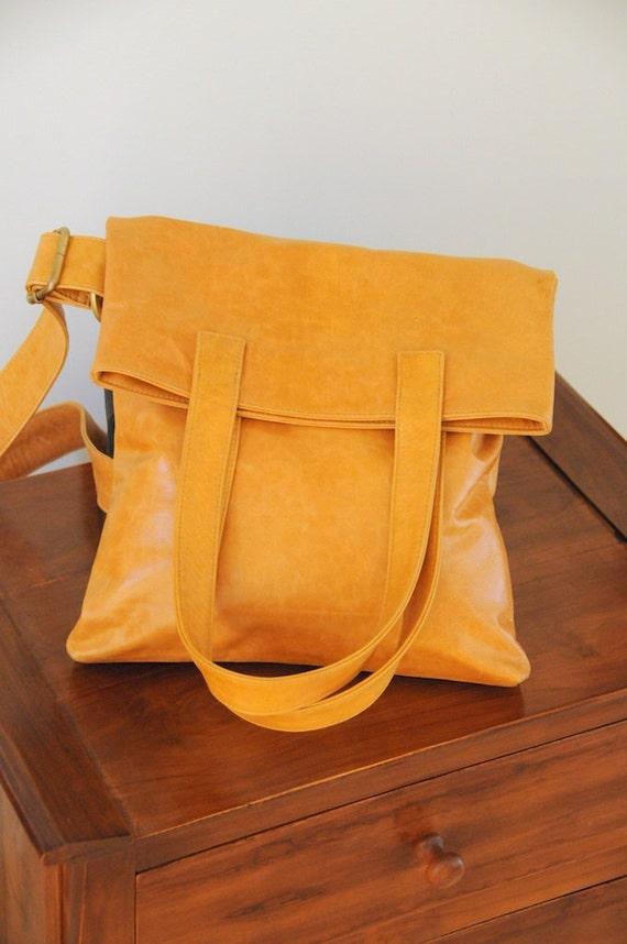 Ready To SHIP. REDUCED price. LITHE. Fold-over leather shoulder bag / handbag / crossbody bag / tote.