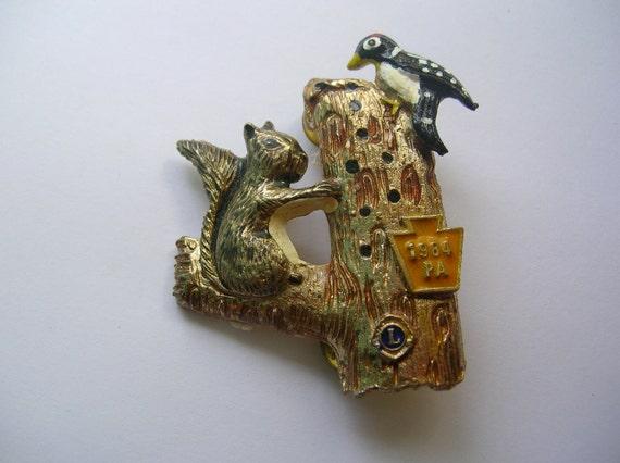 Vintage lions club pin squirrel ,woodpecker 1984 PA, figural