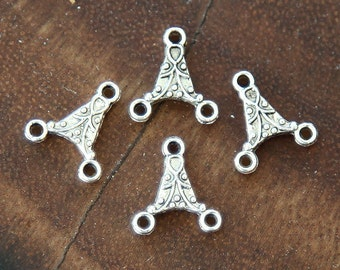 20 pcs Link, Antique Silver Plated, 12x13mm Triangle - eTS008AS