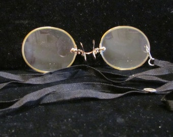 Antique Victorian Pince Nez Eyeglasses Spectacles 12K Gold Filled  With Original Case With Black Silk Neck Cord Excellent Condition