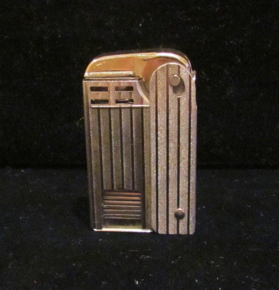 Vintage 1940s Regens Cigarette Lighter Windproof Lighter Made in USA Very Good to Excellent Working Condition