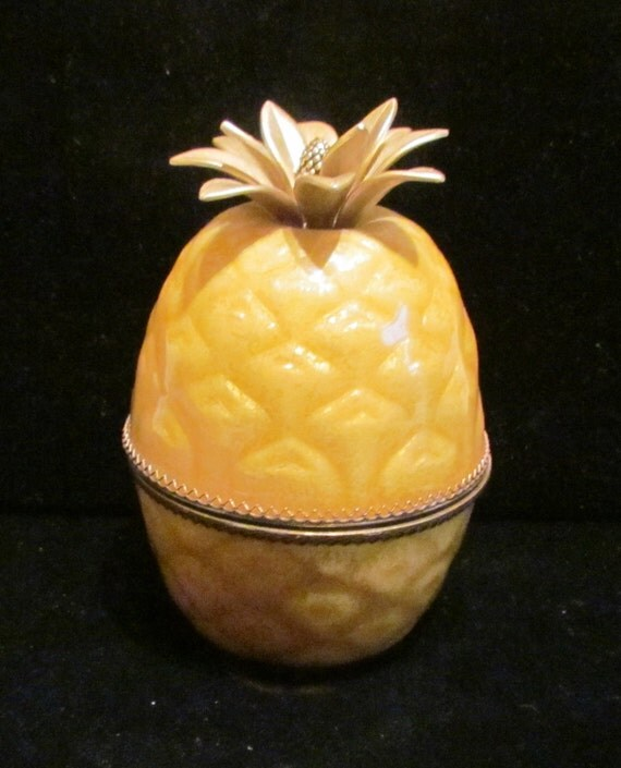 1950s Evans Guilloche Pineapple Lighter Table Lighter Gorgeous Working Lighter Excellent Condition