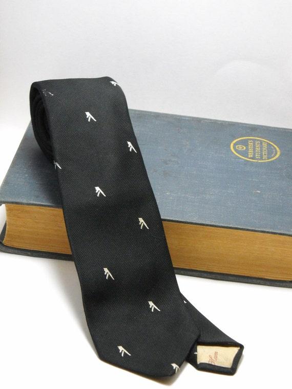 Mens Silk, Club Necktie, Black, Reis of New Haven