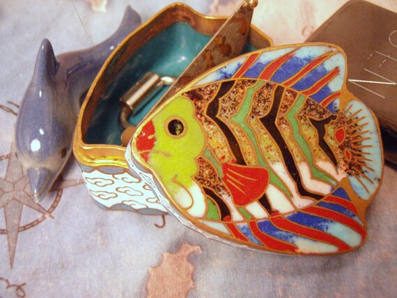 OPENING SALE Small Enamel Cloisonne Tropical fish Trinket Jewlery Box