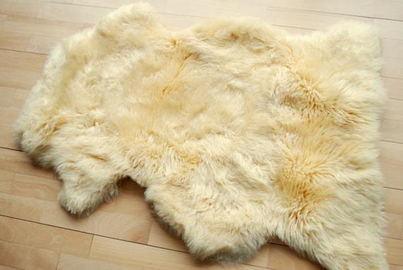 Natural lambskin sheepskin-Rug,home decor-Baby photo prop fur-Eco friendly
